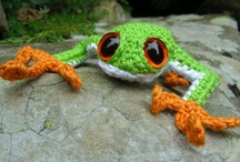 Knit/Crochet Animals and Toys / by Shannon Carter