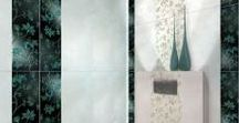Alabastrino Tubadzin | Gresie si Faianta Moderna Alba Baie / Colectia de gresie si faianta baie alba, Alabastrino, de la producatorul polonez Tubadzin, este o colectie eleganta si moderna. Placile ceramice lucioase imita piatra, iar modelele decoratice au elementele florale iesite in relief. Profitati la maxim de placile colorate, care in contrast cu faianta baie alba, transforma un interior brut intr-unul viu, proaspat si natural.
