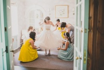 All the pretty lil details (wedding photo inspiration} / by Melanie Fee
