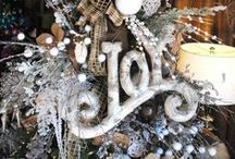 Christmas tree decorations / Dress your Christmas tree with style this year! Here are some fab ideas that will make a true statement in your home....