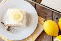Lemonade cake / When life hands you lemons, make lemonade cake!