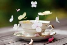 """Tea Party Wedding Picnic / Why not have a tea party wedding picnic instead of a """"normal"""" wedding reception? Picnics are fun and full of laughter and sunshine."""