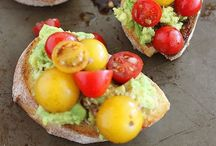 Food: Appetizers & Snacks / by Bethany Nyholm