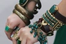 Emerald Wedding Inspiration and Ideas