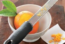 Essential Kitchen Products We Love / Helpful tools and feeding products to help parents feed their kids healthy food at home.