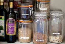 Kitchen and home Organization / An organized kitchen really helps you to be able to cook healthy meals for your family.