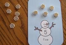 Montessori Classroom Christmas / Collection of crafts and work ideas for a Montessori Class Christmas. Enjoy!
