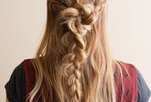 Horse Hippie Hair / Beautiful hippie hair style inspiration that will help you channel your inner Horse Hippie.