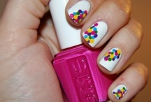 Nifty Nails / by Holly Lewis