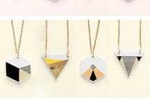 accessories / by Gabriela Garcia