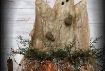 fall/halloween crafts / by Cindy Aaron-Worsley