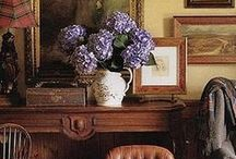HOMESTYLE - ENGLISH COUNTRY / The classic #English style of living is layers of collections, inherited furnishings, starched linens and cozy.  #EnglishCountry #InteriorDesign #HomeStyle #Decorating #ClassicDesign
