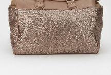 purses & bags / by Alyssa Hagen