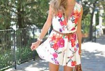 Floral Print / Spring is here, with floral designs popping up again on the Trendtation girls. The floral print trend has been booming for many years.