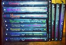 The House of Night (HON) / I am so in love with this series. I love everything about it. Vampires and horses and cats and a dog! Love it. And I just love Stark and Rephaim and Damien and Jack (rip). ❤️ / by Diamond Marquess