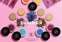 SUMMER COLLECTION 2015 / This summer, Anastasia Beverly Hills releases a new range of Pop Art-inspired makeup to give your look a bold, graphic edge. Get ready to channel your inner artist! / by Anastasia Beverly Hills