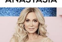 ANASTASIA SOARE / Founder, creator, entrepreneur, and ace-Instagramer behind Anastasia Beverly Hills. Lover of beauty, fashion, art, food, and style. Living the American dream in 90210.