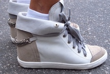 CollegeFashionista: Swag Sneakers / by Manuela Almeida