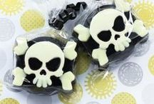 Pirate Party! / Ahoy there matey's, are ya planning a pirate bash? Here's some fun ideas that will stop your guests from making ya walk the plank!