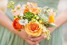 Wedding Flowers / Trending wedding flowers - bouquets, centerpieces, boutonnieres, etc.  / by Beau-coup