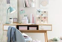 Office Spaces / Minimalist office spaces in white and pops of colour. LOVE Scandinavian style office spaces :)