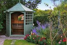 How does your garden grow? / Garden inspiration and ideas for managing our big garden, planting ideas and structural inspiration for a sunny garden