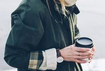FALL STYLE /// / A collection of women's outfit ideas for the fall