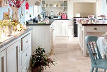 Kitchen Inspiration / Ideas and inspiration for planning our small family kitchen