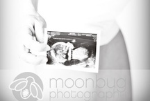 Photography: Maternity / My style is to get beautiful images of you with a natural feel. We can achieve different looks with various backdrops and flattering lighting techniques. I will also have available some soft fabrics to drape your body in an appealing fashion to use, if you wish.