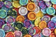 Dorset Buttons and other yarn buttons