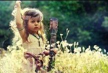 Trend: Go Hippie - Boho Baby & Kind / Back to the sixties met de #hippielook van nu. Lange jurkjes, fijne jasjes, veel #bloemen en etnische prints. Zelfs de kleinsten wanen zich met deze zomerse items op Ibiza. De #hippie trend is perfect voor het mixen & matchen van verschillende stofjes, #prints en kleuren. Peace, love!