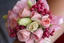 """Floral Grace / """"The earth laughs in flowers.""""  ― Ralph Waldo Emerson / by Lilacs & Gin"""