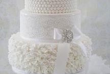 Wedding Cakes / by Maria Ferrer Esteves