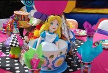 Alice In Wonderland / by Maria Ferrer Esteves