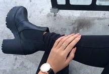 ↠ shoes