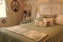 Bedroom Inspiration / Bedroom Decorating Ideas / by Patricia Pennington-Perez