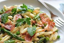 Spring Eats - Savory / In-season produce includes asparagus, artichoke, strawberries, peas, rhubarb, scallions, morels, green beans, new potatoes, spring greens, radishes, arugula, garlic, watercress, and favs beans. (source: marthastewart.com) / by Megan Croft