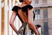 Backdrop / The art of backless dresses