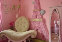 Paris & Princesses - the ultimate girly room / by Alicia Joy