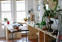 Home Office Ideas (+Closet) / Maximize a teeny tiny space! Work space plus all my clothes and shoes.