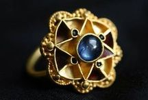 Jewels from the past / Antique and archaeological jewelry