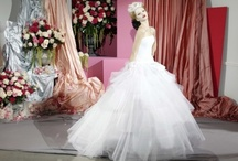 Wedding Dresses / by Bia Inspira