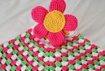 Crocheting/Yarn Crafts / A collection of yarn projects and free crochet patterns.