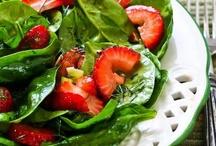 Veg | Spinach / by angela peck {cert. vodder mld esthetician}