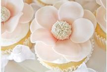 Cakes & Cupcakes / by Jackie Dueñas