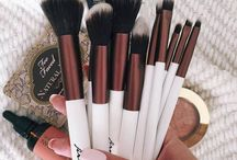 ♢ Makeup Brushes ♢