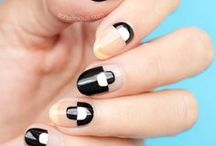 Nail colours? Yes, please! / Lack of inspiration for your next manicure? No more! The latest and trendier nail art ideas.