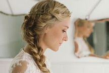 wedding {hair} / Wedding hair inspiration and ideas  for all types of brides and all types of tresses!  / by The Pretty Blog
