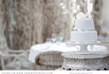Grey Wedding Inspiration / Grey has never looked this interesting. Gorgeous grey wedding inspiration!