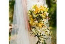 cascading bouquets / gorgeous cascading bridal bouquets for weddings